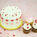 Torta con mini corazones